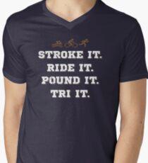 Streicheln. Fahr es. Stampfe es. Versuch es. T-Shirt mit V-Ausschnitt
