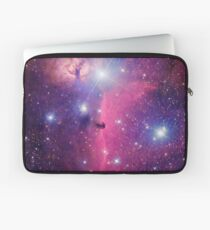 Lila Galaxie Laptoptasche