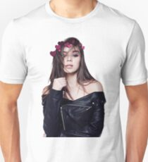 Hailee Steinfeld Heart Crown Unisex T-Shirt