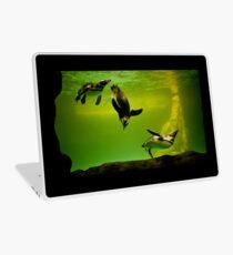 penguins playing underwater Laptop Skin