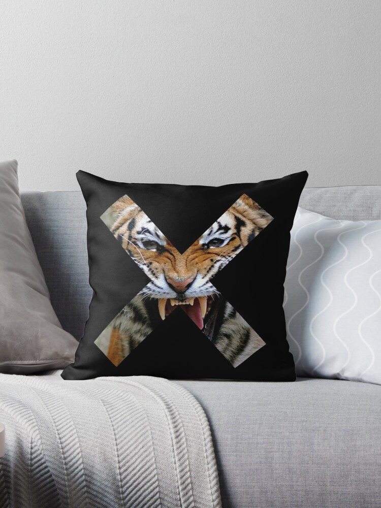 Creature Cross (Snarling Tiger) - Black by GeorgeOC