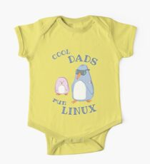 Cool Dads Run Linux One Piece - Short Sleeve