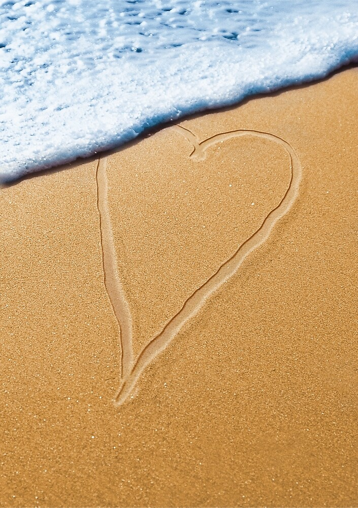 Heart in the sand by Thisis notme