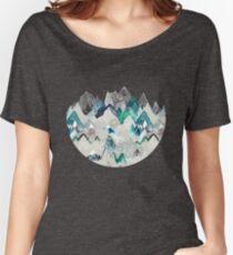 Camiseta ancha para mujer Llamada de las montañas (en árbol de hoja perenne)