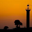 Broadwater Beach Hotel Marina Channel Light  by Jonicool
