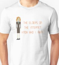 The IT Crowd – The Elders of the Internet Know Who I Am?! Unisex T-Shirt