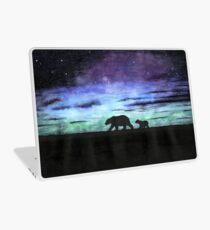 Aurora borealis und Eisbären (dunkle Version) Laptop Folie