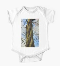 Twisted tree trunk One Piece - Short Sleeve