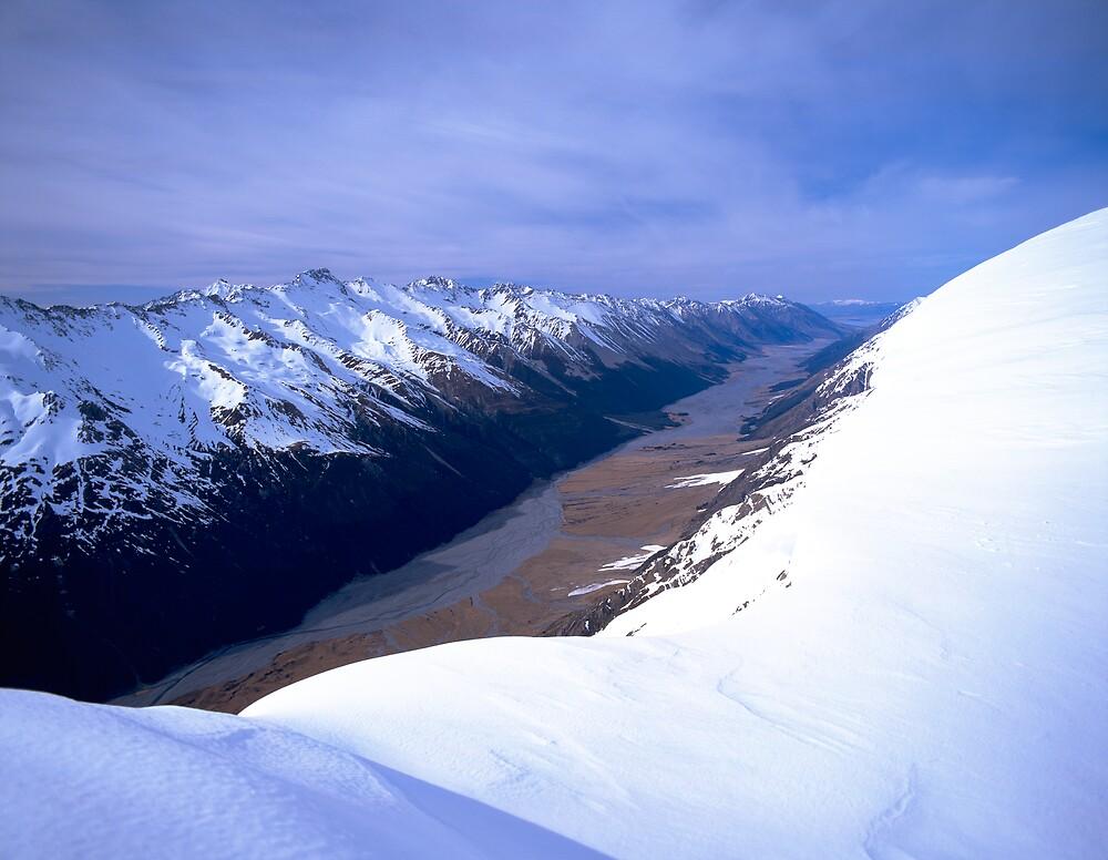 Ben Ohau Mountain Range, New Zealand by David Jamrozik