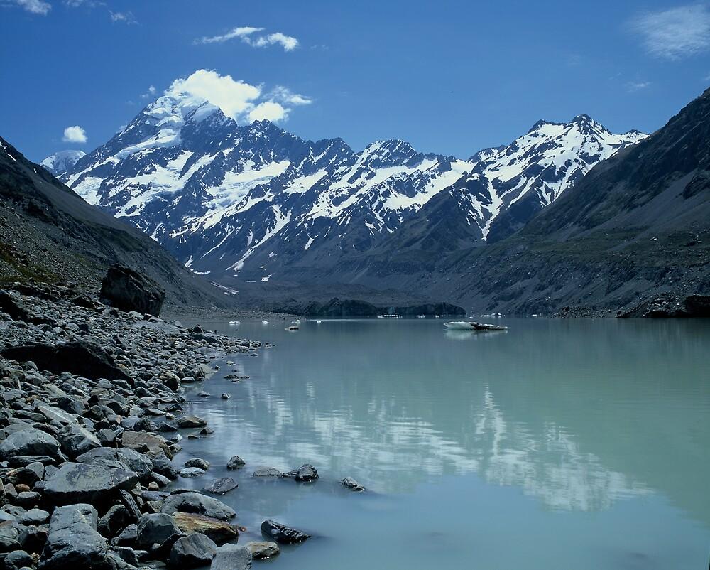 Glacial Lake and Mt Cook, New Zealand by David Jamrozik
