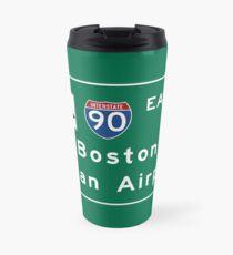 Boston Logan Airport, panneau routier, Massachusetts Mug de voyage
