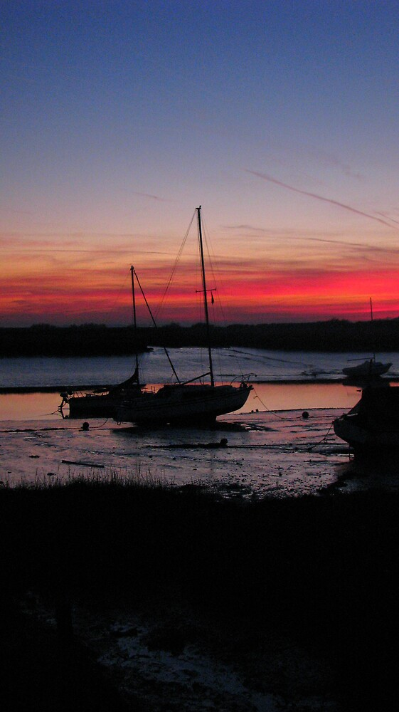 Sunset over Alresford Creek by Sue Morhall