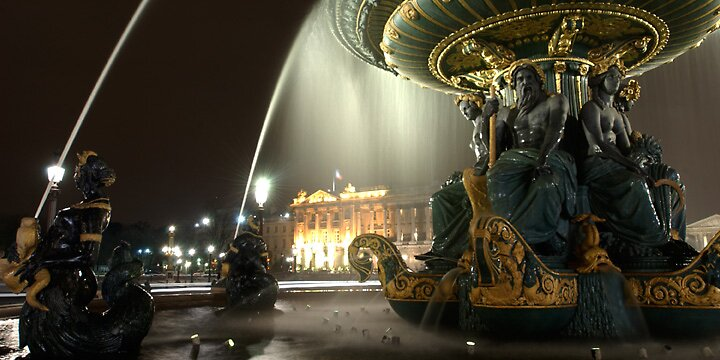 Paris fountain by Scott Bosworth