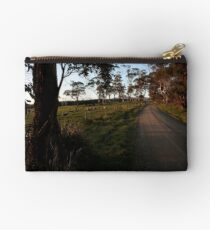 Country road. Studio Pouch