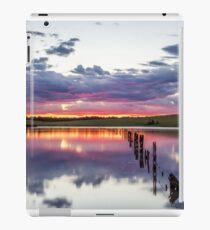 Colouful lake sunset iPad Case/Skin