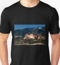 Garden of the Gods Kindergarten Rock Unisex T-Shirt