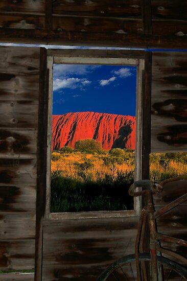 Uluru by Rosina  Lamberti