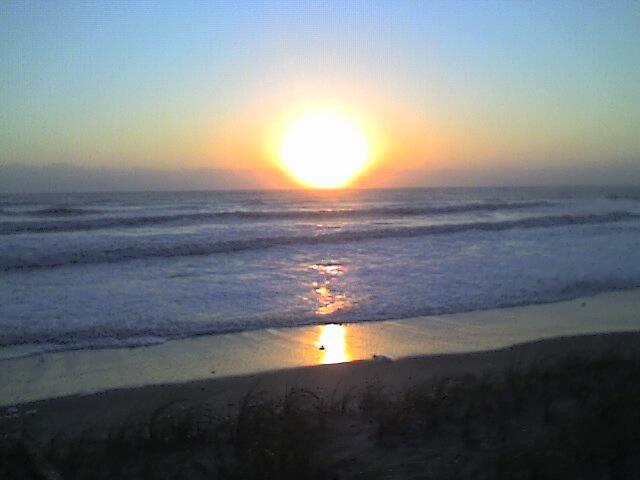 Sunrise in Satellite Beach by larrylender