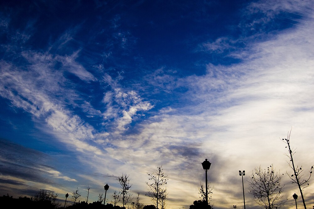 Sky contrast by Angel Jesús Pérez Alfonso