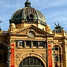 Flinders Street Station, Melbourne : photograph by Roz McQuillan