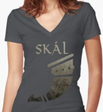 Vikings - Skal Women's Fitted V-Neck T-Shirt