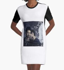 Malec neck Kiss angel Graphic T-Shirt Dress
