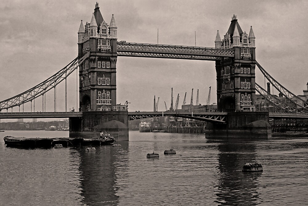 Tower Bridge. London by andarna