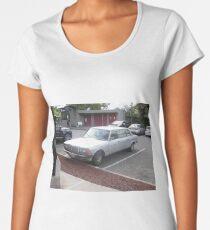 MERCEDES 1984 LIMOUSINE SEDAN 300D W123  LONG WHEELBASE Women's Premium T-Shirt