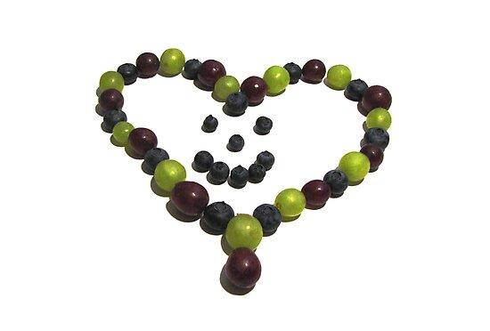 Berry Nice Heart by hummingbirds