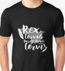Camiseta ajustada Hacer camino para el rey del cuervo II