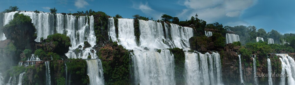 Iguazu panorama by Luke Meers