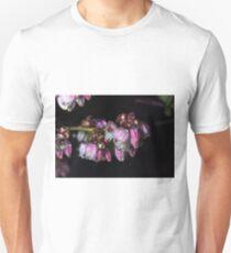 Blueberry blossom rain drops T-Shirt