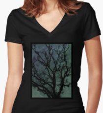 Oak & skies Women's Fitted V-Neck T-Shirt