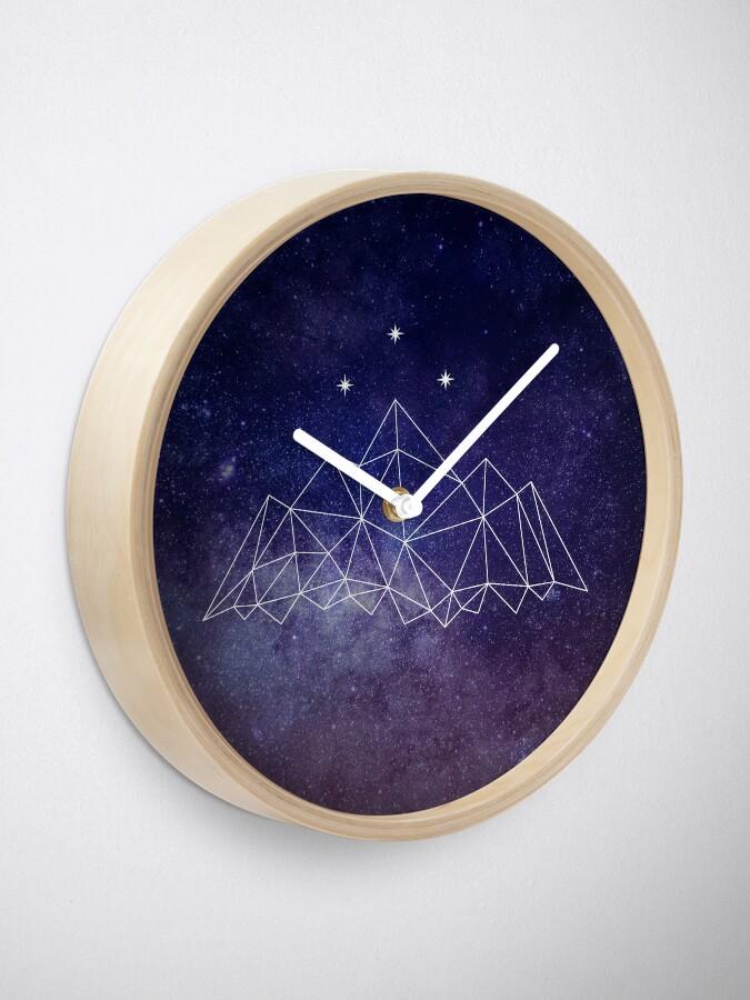 Alternative Ansicht von Das Nachtgericht Uhr