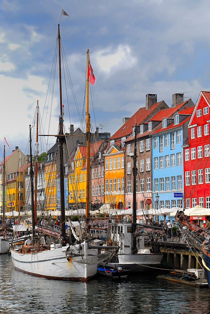 Nyhavn by Stephen Dugdale