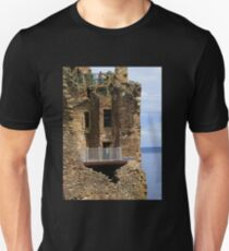 The Grant Tower, Urquhart Castle Unisex T-Shirt