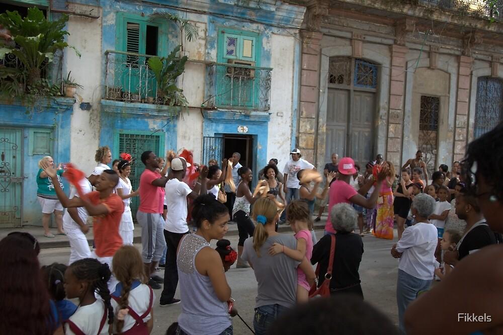 Spectators and dancers, Havana dance festival by Fikkels