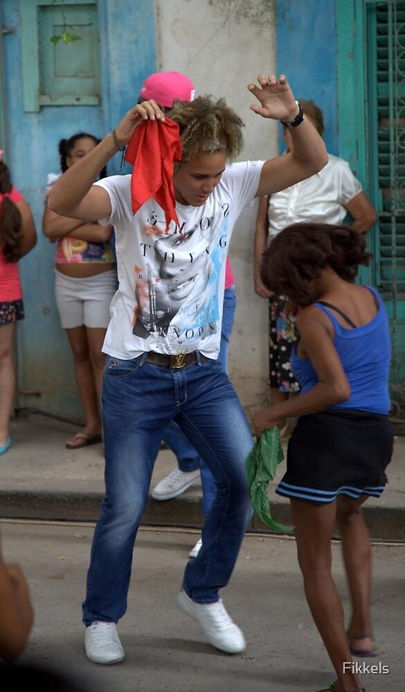 Street dancers, Habana by Fikkels