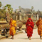 monks at angkork wat by Amagoia  Akarregi