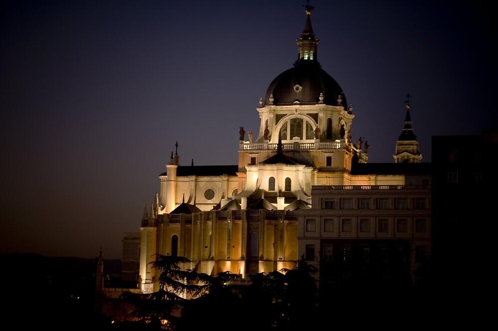night almudena by Angel Jesús Pérez Alfonso