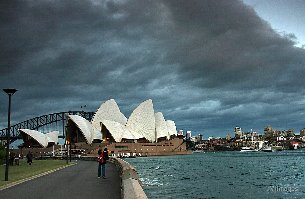Stormy Opera by MiImages