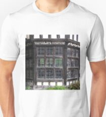 LITTLE MORETON HALL, CHESHIRE, ENGLAND Unisex T-Shirt