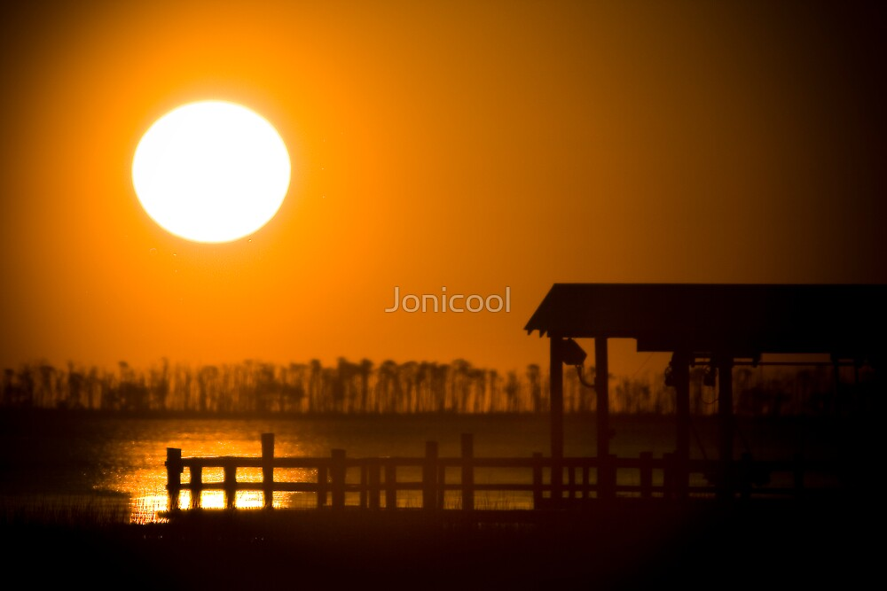 Serene   by Jonicool