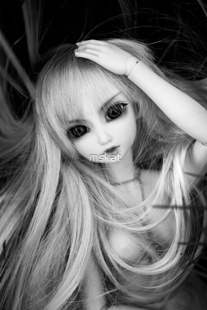 Alice by mskat