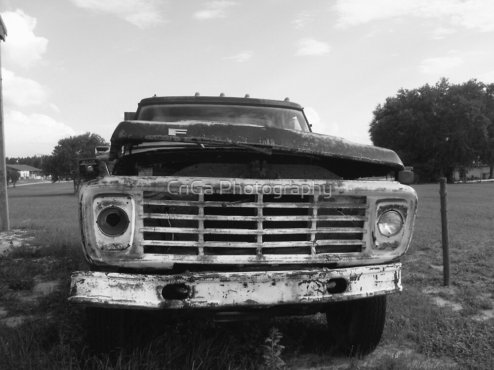 old car  by CriGa Photography