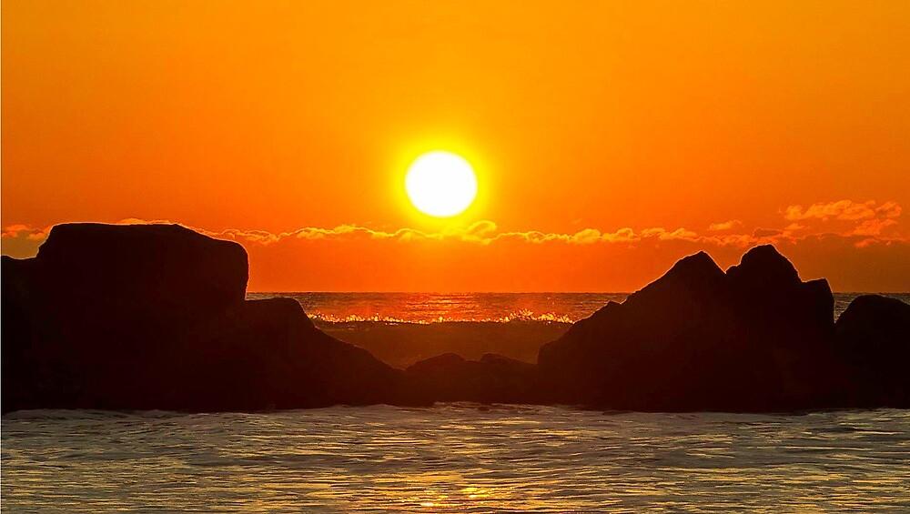 A Long Beach, NY Sun by AnneDB