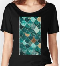AQUA SCALES Women's Relaxed Fit T-Shirt