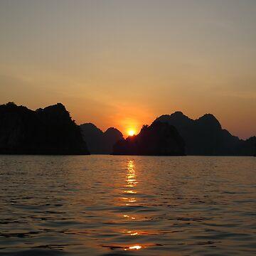 Sunset Ha Long Bay, Vietnam 2 by shawnzahavi