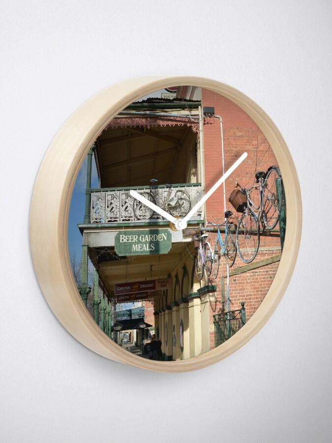 Alternative Ansicht von Fahrradabstellplatz in Rutherglen Uhr