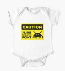 Caution, aliens Beyond this point, wall sign One Piece - Short Sleeve